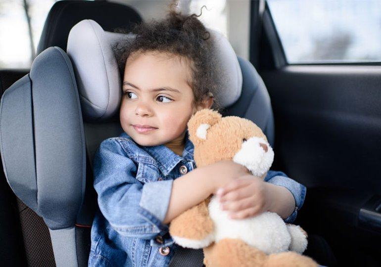 Kindersitz Normen: ECE R44/04 und I-Size